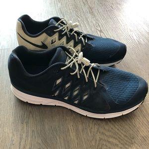 Nike Vomero 9 Running Sneaker Blue White